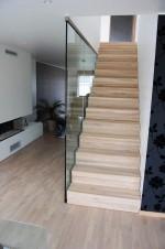 """Nok en lekker trapp som blir et sentralt """"møbel"""" i huset"""