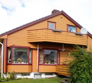 Stort gult hus før